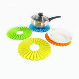 Wholesale dishes modern - Silicone Table Mat Placemat Pad folding Coaster Dish Bowl Pot Holder Heat Resistant Cushion Non-Slip Stick kitchen Protector FFA106 9colors