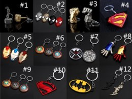 Canada Vente chaude Captain America Shield Porte-clés Les Avengers Superman Super-Héros Batman KeyChain Anneau Porte-clés Accessoires De Mode Offre