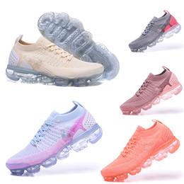 Nuevos zapatos de diseñador de la llegada 2018 2.0 Running Shoes Unisex Footing Mujeres al aire libre Zapatos WMNS Athletic Mens Sneakers tamaño 36-45 Con la caja desde fabricantes