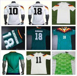 1990 1994 1998 Alemania versión retro VINTAGE CLASSIC Soccer Jersey  KLINSMANN 18 MATTHAEUS 10 casa lejos 2017 2018 camisetas JERSEY jerseys de  fútbol ... ae1eab29c2040
