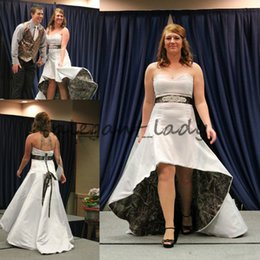 realtree wedding dresses 2019 - Strapless Hi-Lo Camo Country cowgirls Wedding  Dress 2018 vintage 77adfd6d32ee