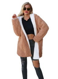 Cappotto europeo online-New Autunno Inverno Europa Moda Donna Plush Hooded Overcoat Lady's Both Sides Indossa Plus Size Outwear Coat C3798