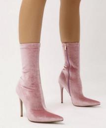 Bottes de velours rose en Ligne-2018 nouveau designer doux rose velours robe bottes bout pointu talons talons cheville bottes délicates rouge vert noir automne bottes
