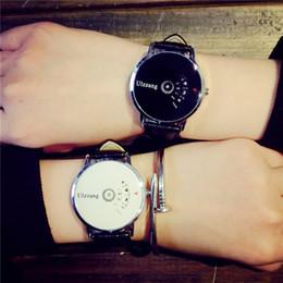 2019 orologi da polso digitali 2018 Design creativo Orologio da polso da donna Orologio da polso semplice Orologio da polso digitale speciale Orologio al quarzo da uomo sconti orologi da polso digitali