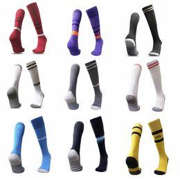 Spanische socken online-2018 -19 SPANIEN ITALIEN UK Club Soccer Sport Strümpfe Real Good Sport Socken für ASENSIO DYBALA POGBA BALE MESSI Fit Füße in Madrid City