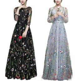 schwarze satin robe blumen Rabatt Sheer Black Abendkleider Ball Stickerei 2018 Lange Floral Party Prom Kleider Pageant Kleider Blume Frühling Robe De Soiree