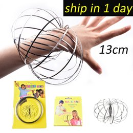 Wholesale flow toys - Wholesale Xmax gifts metal Toroflux Flow ring Toy Holographic by While Moving Creates a Ring Flow Rainbow Toys Flow rings OTH571
