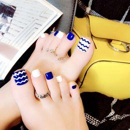 16d67a01a 24 Unids Full Cover Pies de Acrílico Patch Blue Wave Summer Toe Uñas  Postizas con Pegamento Blanco Azul Ojos Toe Falsos Del Océano