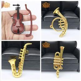 Musica de violino on-line-Casa de Bonecas Em Miniatura Música 1:12 Scale Violin Saxophone Blowing