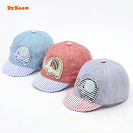 DzBoom verano sombreros niños viseras de dibujos animados gorra 2018 moda  elefante Casquette Visiere algodón sombreros de verano para niños enarboló  gorras ... a687d497e8e