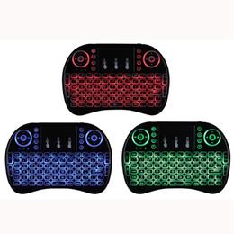 Красочные коврики для мыши онлайн-Rii I8 Fly Air Mouse 2.4 Г Красочная подсветка с подсветкой Беспроводная клавиатура с сенсорной панелью для ПК Pad Android TV Box MXQ PRO X96 Mini