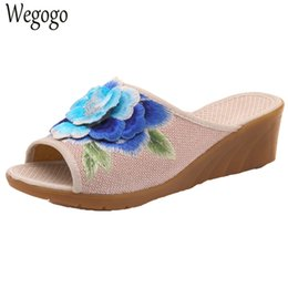 Wholesale Chinese Wedges Shoes - Chinese Women Slippers 3D Floral Embroidered Peep Toes Linen Wedge Slippers Summer Ladies Canvas Soft Shoes Sandials Mujer