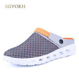 Verano de los hombres de malla transpirable sandalias de la sandalia de playa del verano para hombre Zapatos hombre del agua deslizadores de los zapatos de moda Diapositivas baratos desde fabricantes