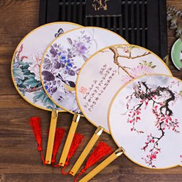 Wholesale unique shipping boxes - Chinese thin Fan popular smooth silk bamboo retro fan antique customs unique wedding holiday gift Free shipping