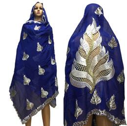 Foulard coton femmes africaines hijab écharpe femmes musulmanes châles nice  deisgn sur le dos grande écharpe en coton châles BM632 bon hijab pas cher 1816c27a368