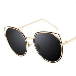 048e80fb5a Hot Cat Ear Gafas de sol del marco de la forma Lindo Tamaño pequeño Ojos  Shades Hombres Mujeres Europa Summer Style Circle Barato Gafas de sol  atractivas ...