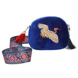Wholesale Wholesale Small Velvet Bags - Ethnic Style Women Messenger Bags Mini Velvet Embroidery Crane Shell Bag Fashion Women Shoulder Bags Female Small Crossbody Bag