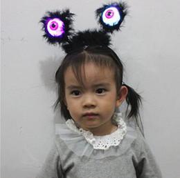 Luminescence Horrible Tête Hoop Nouveau Motif Gag Cheveux bande Flash De Lumière Eyeball Tricky Épingle à Cheveux Nouveauté Enfants Jouets CCA9466 60 pcs ? partir de fabricateur