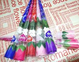 2019 rose rosse singole Simulazione Rose Flower Single Red Roses Orso dei cartoni animati con un adesivo a forma di cuore regalo di giorno di San Valentino Madri regalo forniture di nozze rose rosse singole economici