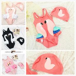 Traje de baño rosa blanco online-Summer Beach Black Swan Loro rojo Pink White Flamingo Traje de baño de una pieza de dibujos animados con sombrero de natación Super Girls Swimwear Infants Swimsuit