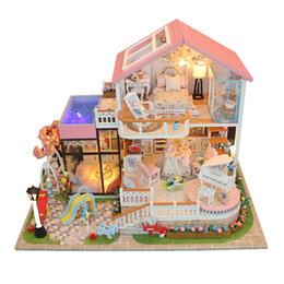 Regali di Natale in miniatura Fai da te Puzzle Toy Doll House Modello Wooden Furniture Building Blocks Giocattoli Regali di compleanno Parole dolci da
