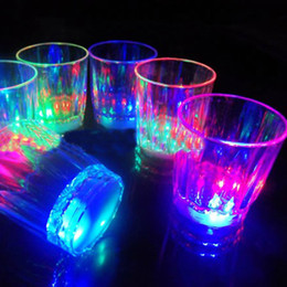 mini light bars Promo Codes - Mini LED Flashing Plastic Beverage Wine Drink Cup Bar Decorative Party Club Mug Color Flashing Light Whisky Mug#24416