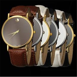Diseño de banda de reloj online-Alta calidad reloj de pulsera de aleación de moda reloj de cuarzo casual hombre reloj de mujer Retro diseño banda de cuero analógico