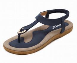 Ethnische flache sandalen online-Frauen Ethnische Böhmen Flache Sandalen Schuhe Frau Schnalle Flip Flop Strand Sandalen Lässig Weiche Schuhe größe 35-42 Apricot Schwarz