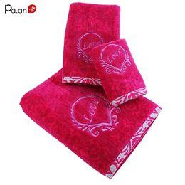 Prodotti a faccia rossa online-3 pezzi / set asciugamano in cotone rosso rosa set amore ricamo adulto viso asciugamano da bagno di spessore assorbente prodotti da bagno tessili per la casa