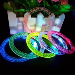 fiesta ha portato le luci Sconti Fashion Gafas Led Para Fiestas 90pcs / lot cambia colore Led Braccialetto luminoso per accessori per feste di Natale c706