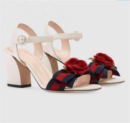 Canada 2018 été rose stripe chunky talon femmes sandales ruban boucle haute talon en cuir chaussures cool mode féminine supplier high heels stripes shoes Offre