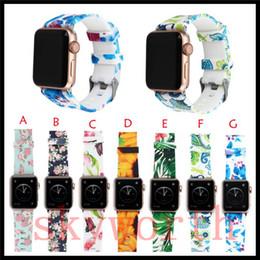 Orologio da polso online-Sostituzione cinturino sportivo in silicone per Apple Watch 4 3 2 1 cinturino da polso con cinturino a fiori con accessori adattatori 44mm 40mm 42mm 38mm