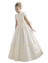 Wholesale Ivory First Communion Satin - Short Sleeve Flower Girls Dresses Girls Pageant Party Dress Floor Length A-Line 2018 First Communion Dress Kids Formal Wear for Wedding