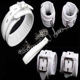 Collarín de cuero muñeca sujeción online-Bdsm fetiche de cuero esponja collar de perro esclavo muñeca de la mano tobillo puños restricciones de esclavitud cinturón bloqueable en juegos para adultos para parejas