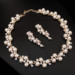 Wholesale gold pearls bride accessories sets - New Wedding Jewelry Gold color Sweet Style Imitation Pearl Necklace Sets Wedding Accessories for Bride Bridesmaid