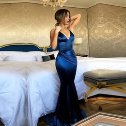 Vestito di seta blu dalla sirena di promenade online-Royal Blue Prom Dresses 2018 Lungo seta Satin Mermaid donne abito da sera Vestido De Festa eleganti abiti da sera formale 2018