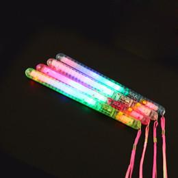 Lattine di riciclaggio online-Il bastone luminoso istantaneo variopinto con i bastoni chiari della corda LED può essere vendita calda 12pcs / lot fluorescente riciclata di tre luci
