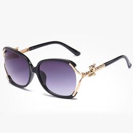 Солнцезащитные очки для женщин мода негабаритных солнцезащитные очки женщины роскошные солнцезащитные гласов дамы старинные Sunglases женщин 2018 Лиса дизайнер очки 9C8J39 cheap fox sunglasses от Поставщики солнцезащитные очки fox