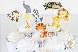 2019 biscotti di carne animale Forma di animale selvatico fumetto tappi rifornimenti festa di compleanno bandiere decorazione con stuzzicadenti creativo toppers cupcake 3 2aw jj biscotti di carne animale economici