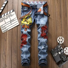 2019 dragon de style américain Hot coton hommes jeans Dragon de brodé déchiré jeans pour hommes salopettes en denim doré hommes européens et style américain jeans dragon de style américain pas cher