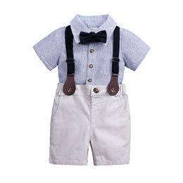 Bebek Bebek Giysileri Boys için Pamuk Beyefendi Takım Boys Giyim Setleri 2018 Sonbahar Bahar Moda Çizgili Gömlek + Papyon + Askı Pantolon nereden