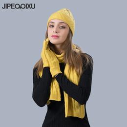2019 bufanda de punto negro Mujeres cálidas bufanda Sombrero Conjuntos de  guantes Moda de invierno Gorros 47c13476faf
