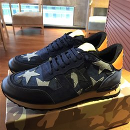Wholesale buff black - Original Box High Quality Casual Shoe for Woman Camouflage Rockrunner Couples Shoes Mens Casual Buffed Leather Shoe Spike Rivet Sneakers