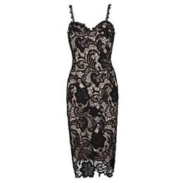 Wholesale Vestido de encaje sexy Femenina Psicología Oenwork Vestidos de baile de noche formal delgada para mujer Vestido de noche largo con escote en V Nude de encaje negro pardo W2814