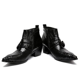 mens tobillo botas correas Rebajas 2018 nuevos hombres de cuero genuino botas de punta estrecha correas diseño tobillo botas para hombre de negocios de la boda formal de vestir zapatos masculinos