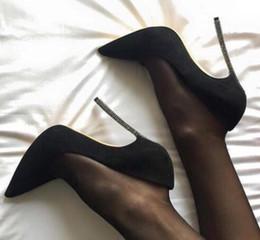 Siyah Çıplak Kırmızı Süet Stiletto Yüksek Topuklu Bıçak Pompaları Parti Düğün Chic Kadın Ayakkabı Sivri Burun Metalik Moda Ayakka ... cheap black blade stiletto nereden siyah bıçaklı stiletto tedarikçiler