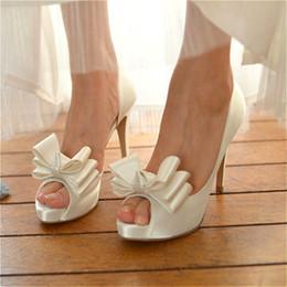 2019 sapato de peep toe branco Casamento da noiva branco PEEP TOE salto alto feminino bem com plataforma à prova d 'água arco partido sapatos de salto alto EU35-42 desconto sapato de peep toe branco