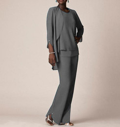 Più il vestito grigio di formato online-Plus Size Chiffon grigio madre abiti con maniche lunghe giacca madre della sposa Abiti caviglia madre abiti per gli ospiti di nozze