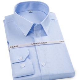 2019 schmiedeeisener mann 100% reiner Baumwolle Marke hohe Qualität bügelfrei formale Männer Kleid Shirts Langarm Solid Color / Striped Business Büro Arbeit Shirt günstig schmiedeeisener mann
