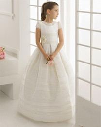 Wholesale Girls First Birthday Party - Flower Girl Dress For Wedding Short Sleeves First Communion Dresses Holy Communion Dress Pageant Gown Girls Birthday Party Formal Dresses